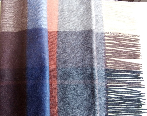 呼和浩特地区优惠的羊绒围巾  围巾
