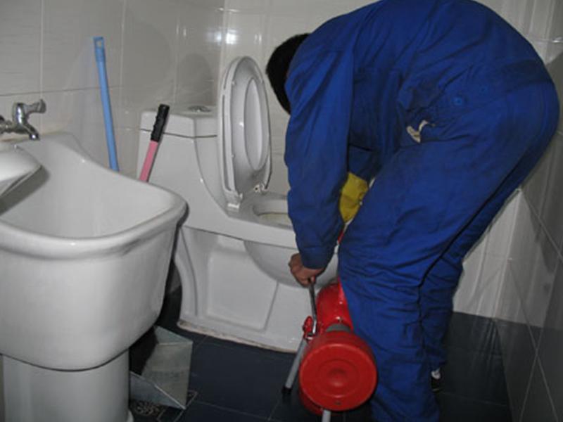 水管高压清洗公司|北京哪里可以找到可靠的疏通马桶