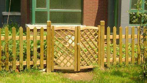 实惠的防腐木栅栏、围栏哪里买-哈密防腐木栅栏