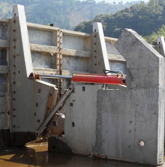水力钢坝闸门