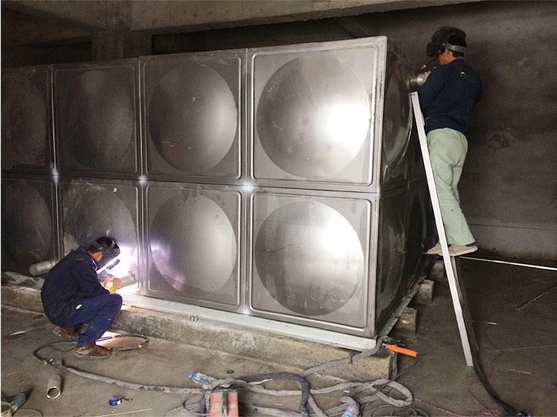 1吨的不锈钢拼装水箱价格,供应上海市厂家直销的不锈钢拼装水箱