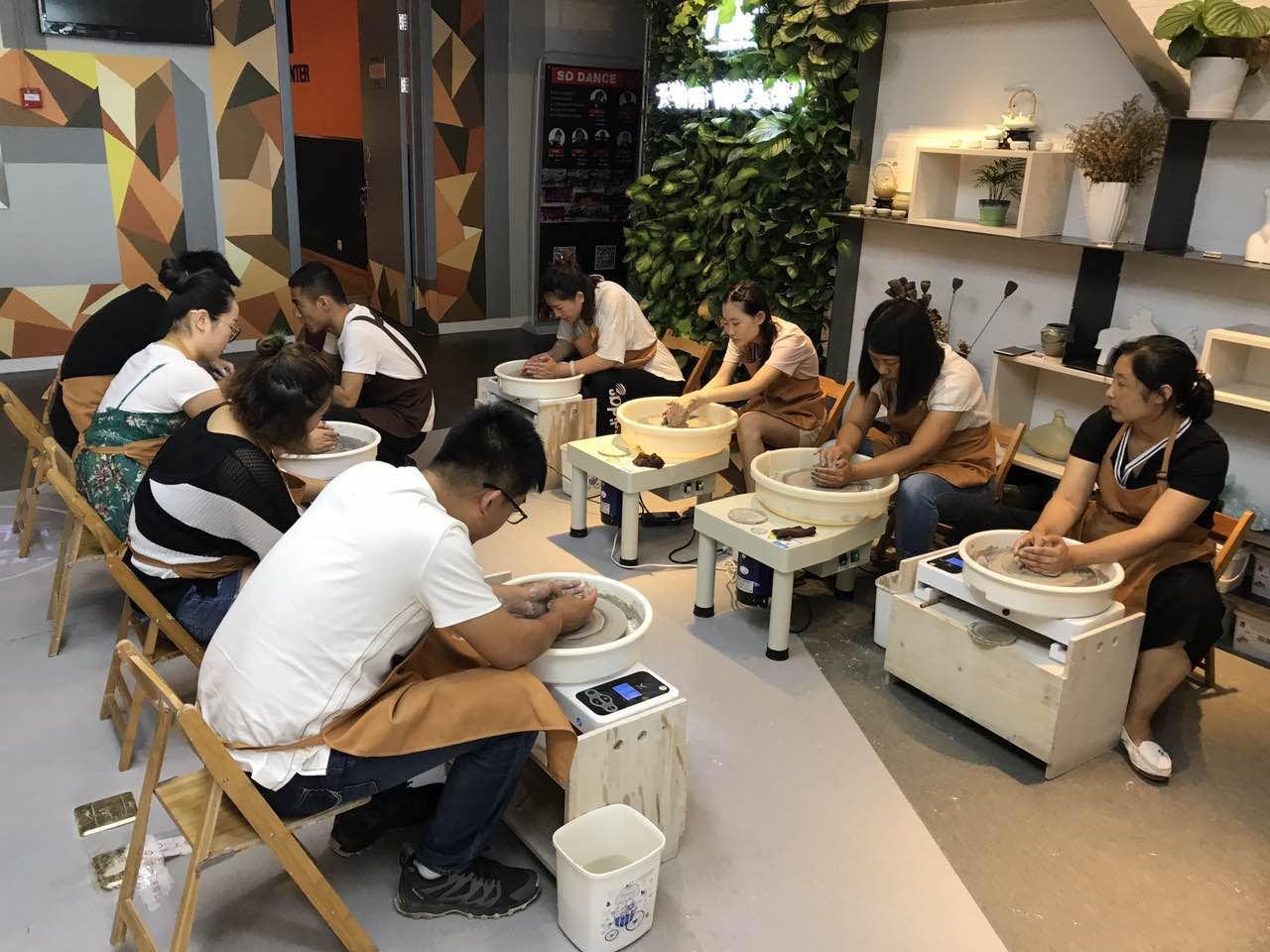 陶艺师培训价格_青岛陶吧加盟公司