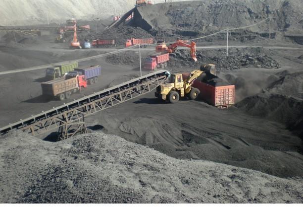 河北带式输送机生产厂家-供应性能稳定的皮带输送机