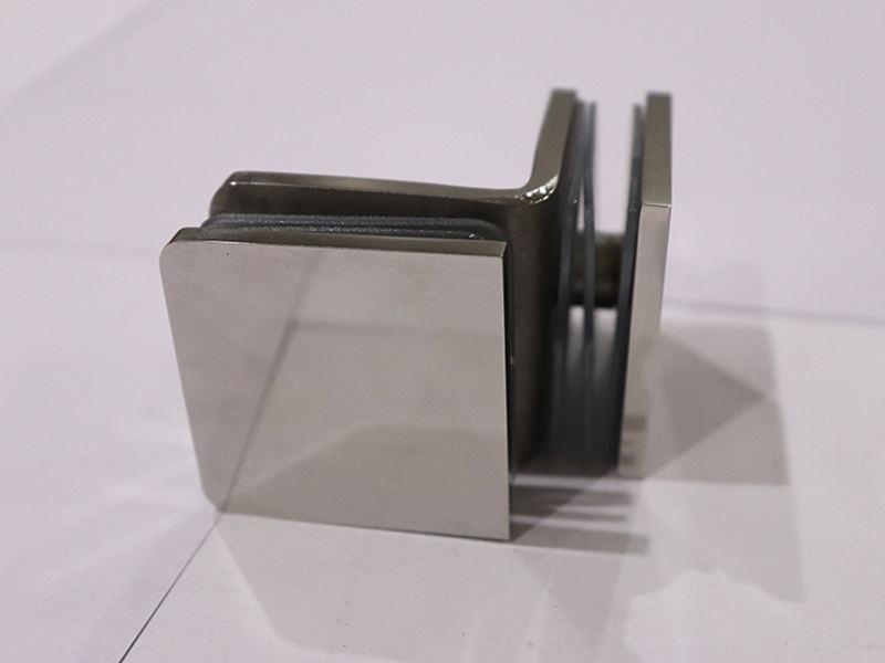 黑色玻璃門夾-廣東哪里有高品質的浴室夾玻璃門夾批發