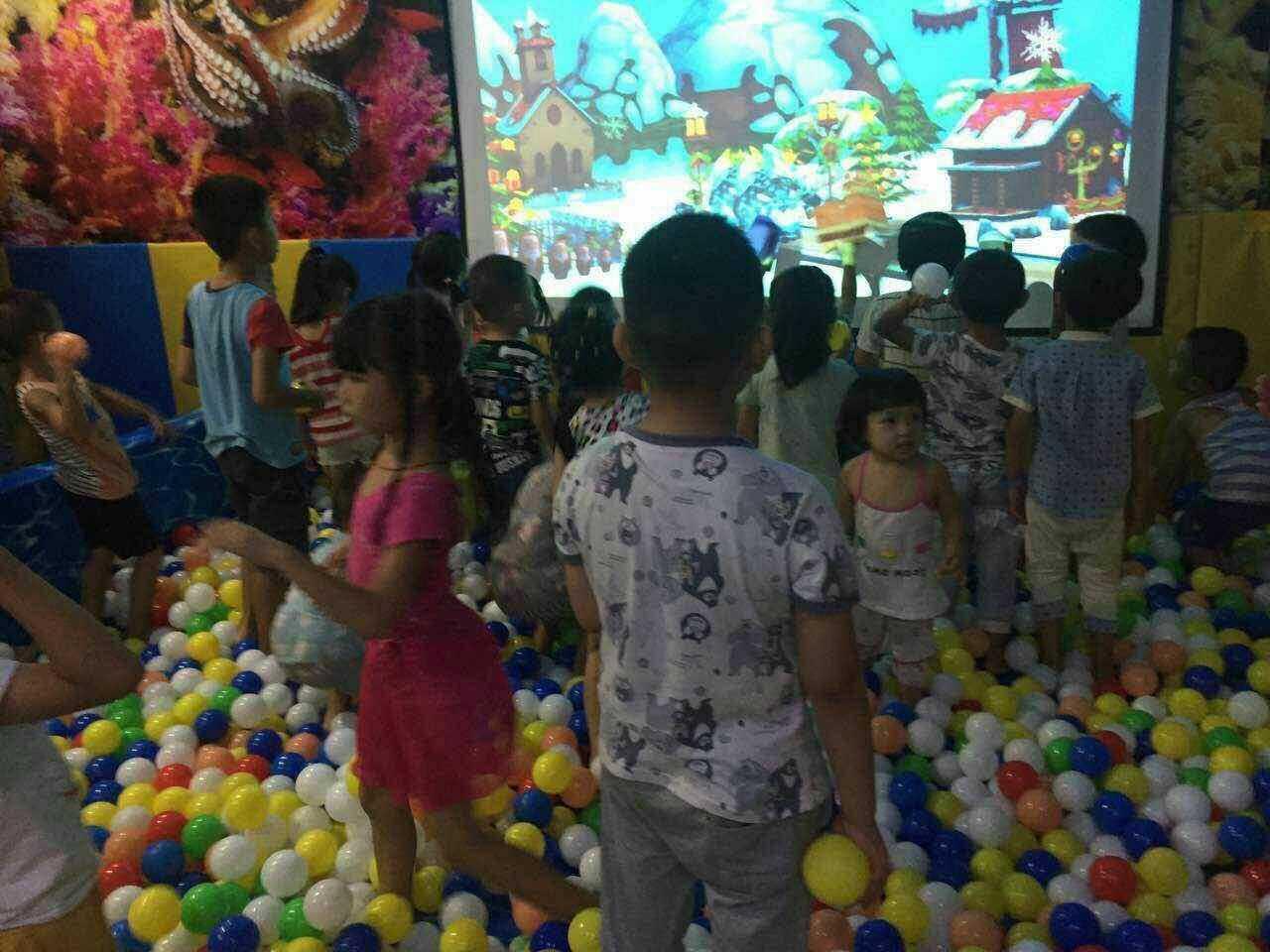 廣州知名的投影互動砸球游樂設備供應商 互動體感投影