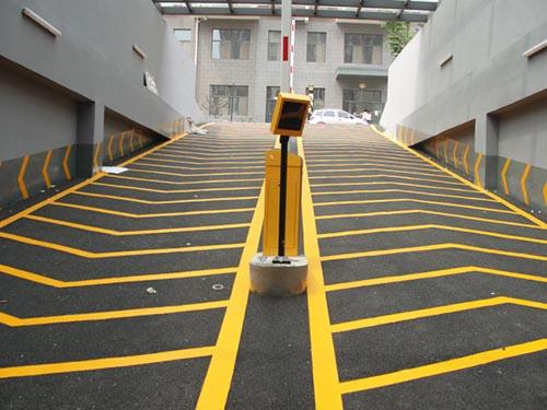 高埗混凝土固化剂地坪-供不应求的防滑坡道地坪漆推荐