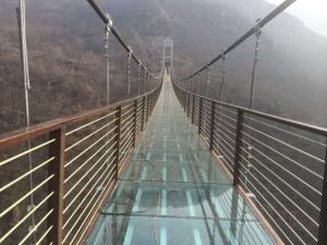 定做玻璃索道_新式的玻璃吊桥推荐