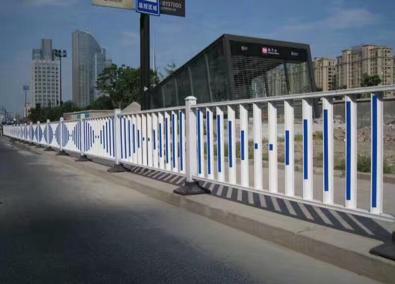 百色市政护栏-供应南宁划算的南宁市政护栏网