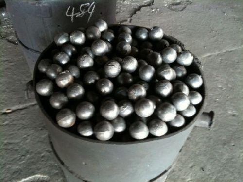 中铬合金铸造磨球供应厂家|哪有供应合格的中铬合金铸造磨球