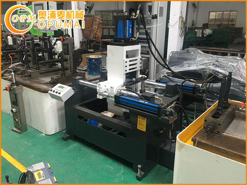 不锈钢制管生产线特点介绍_不锈钢管生产线设备