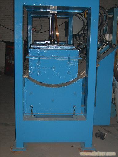 江苏高频弯曲木压机-河北德迪电子提供好的高频弯曲木压机