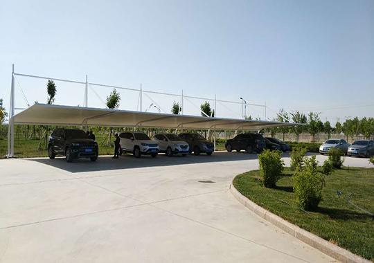新疆膜结构车棚公司哪里有——膜结构车棚报价
