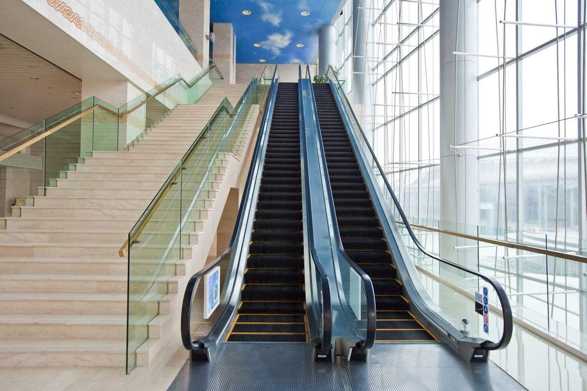 口碑好的自动扶梯当选新辉电梯_郑州旧梯更新改造