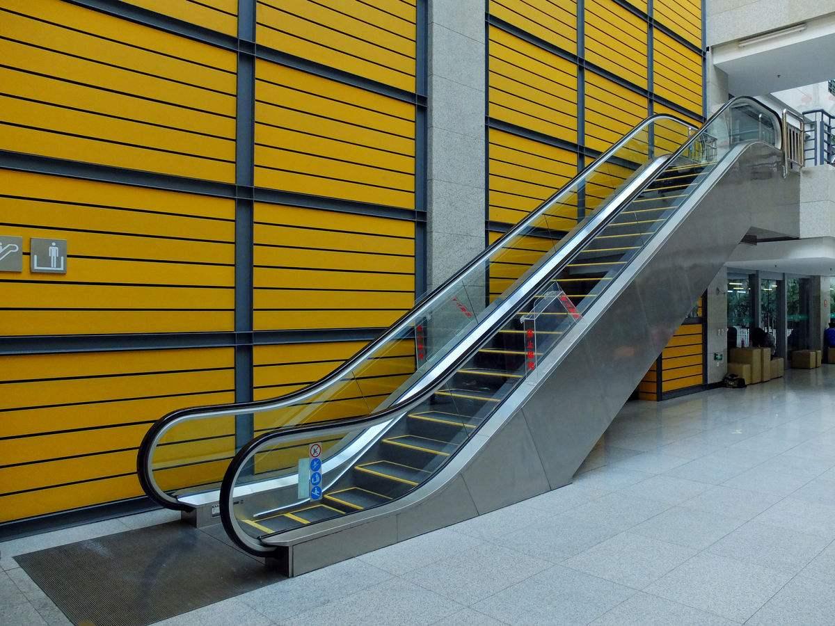 优质的濮阳自动扶梯供应商当属新辉电梯-濮阳电梯维修保养