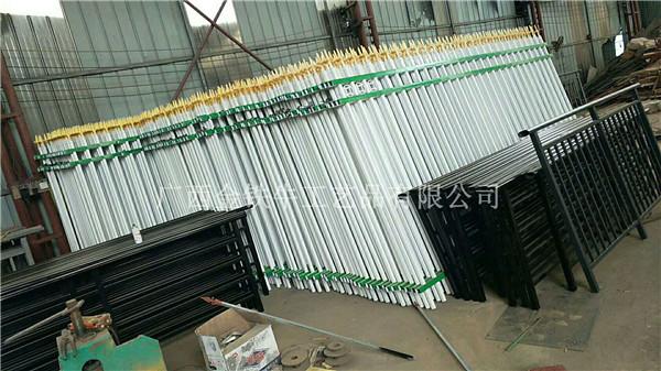 南宁铁围栏厂家-weinin推jian广西金铁牛销量好�na夏�铁栏杆