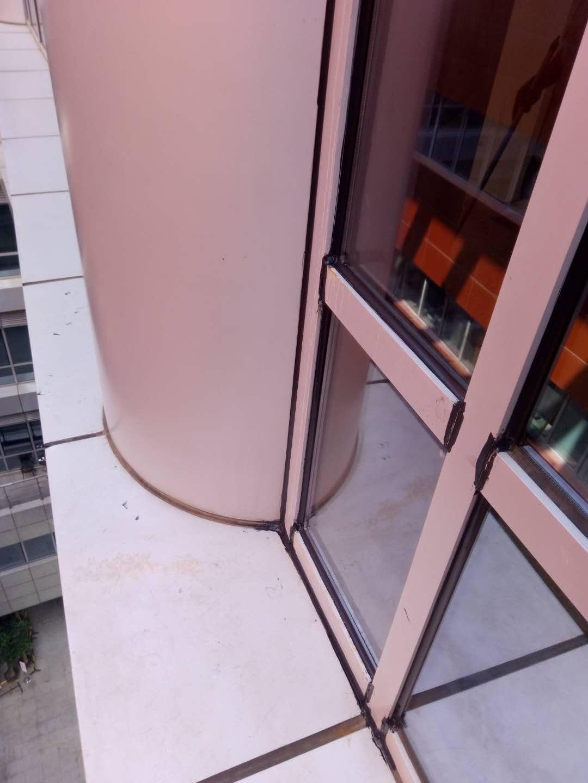 摩登大楼更换幕墙玻璃包您满意——高层幕墙维修