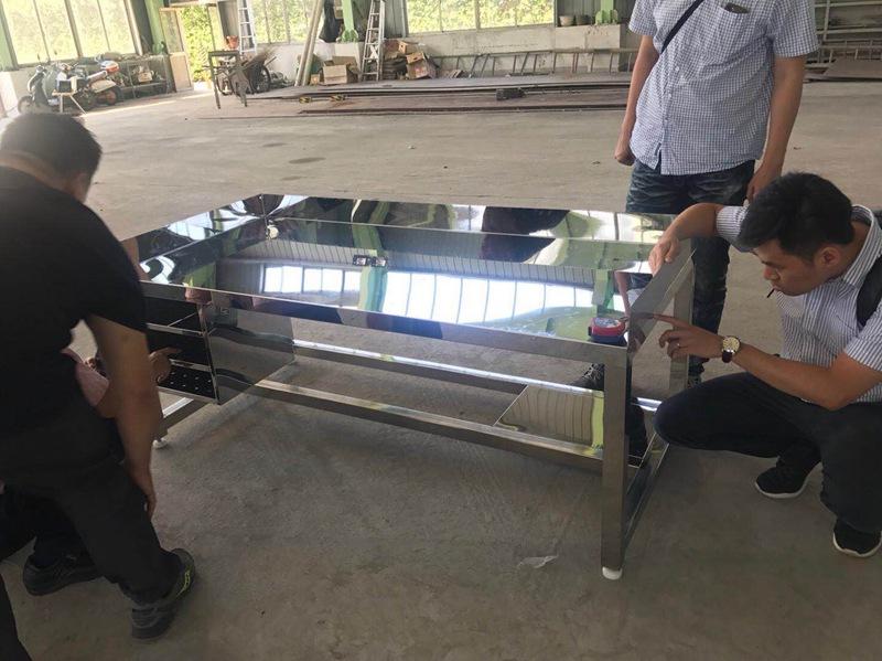 苏州价格实惠的不锈钢工作桌出售——苏州工作桌厂