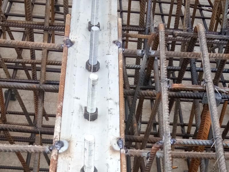 橡胶水坝锚固件