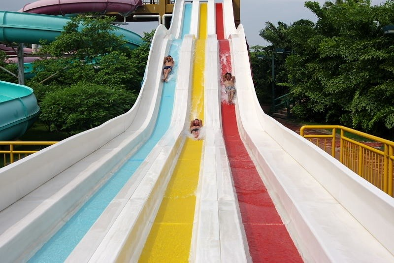 靠谱的山坡滑梯供应商|广州水上乐园