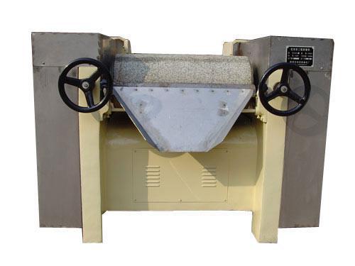 口碑好的研磨机供应商_蚌埠荣信 大型三辊研磨机制造商