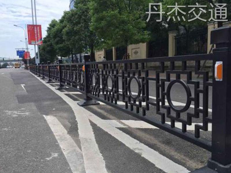 供应道路护栏价格|哪里能买到优惠的道路护栏