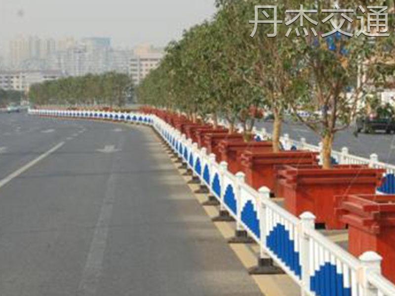 诚挚推荐质量好的道路护栏|优质道路护栏批发