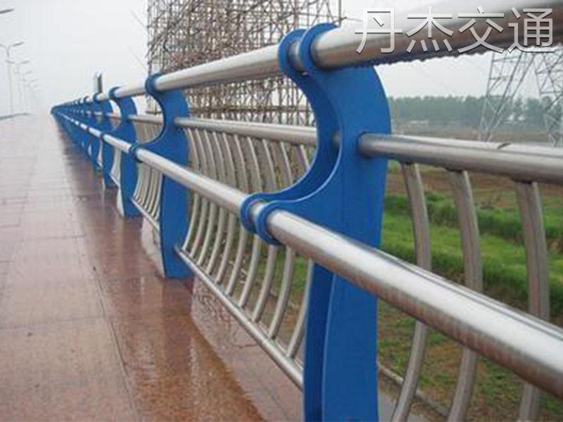 哪有合格的桥梁护栏厂家 北京桥梁护栏批发