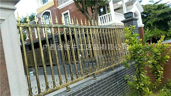 南宁铁艺围栏专业制作 阳台栏杆优选广西金铁牛工艺