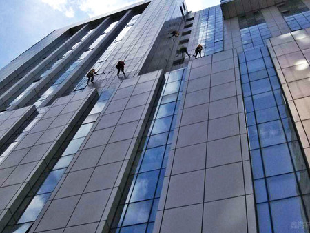 外幕墙玻璃翻新-幕墙维修专家