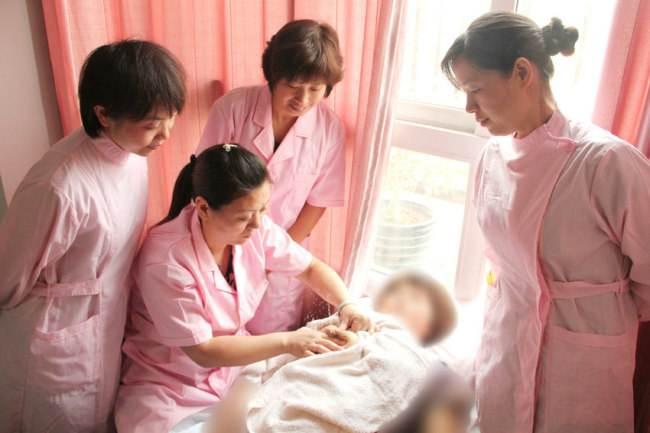优爱母婴月嫂、育婴师培训_您身边的护理专家 催乳师多少钱