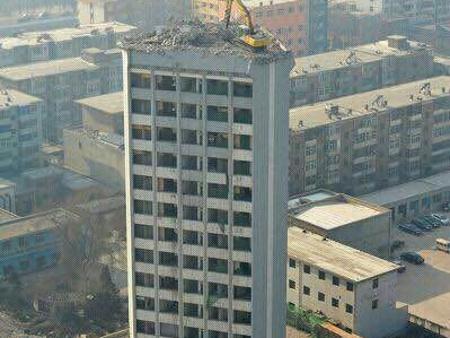去哪找有口碑的房屋烟囱拆除,巴彦淖尔房屋烟囱拆除