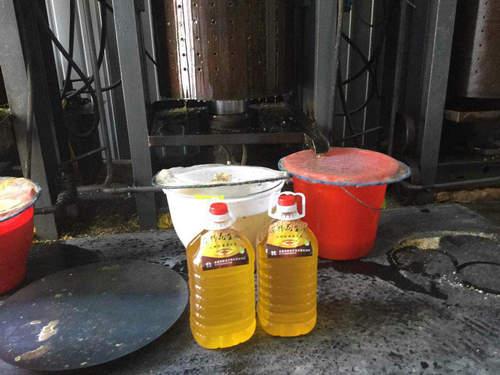 黑河液壓榨油機|選購高質量的液壓榨油機就選如意機械加工廠