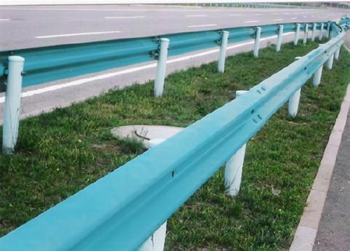 高速公路护栏板厂家直销-大量供应优惠的高速公路护栏板
