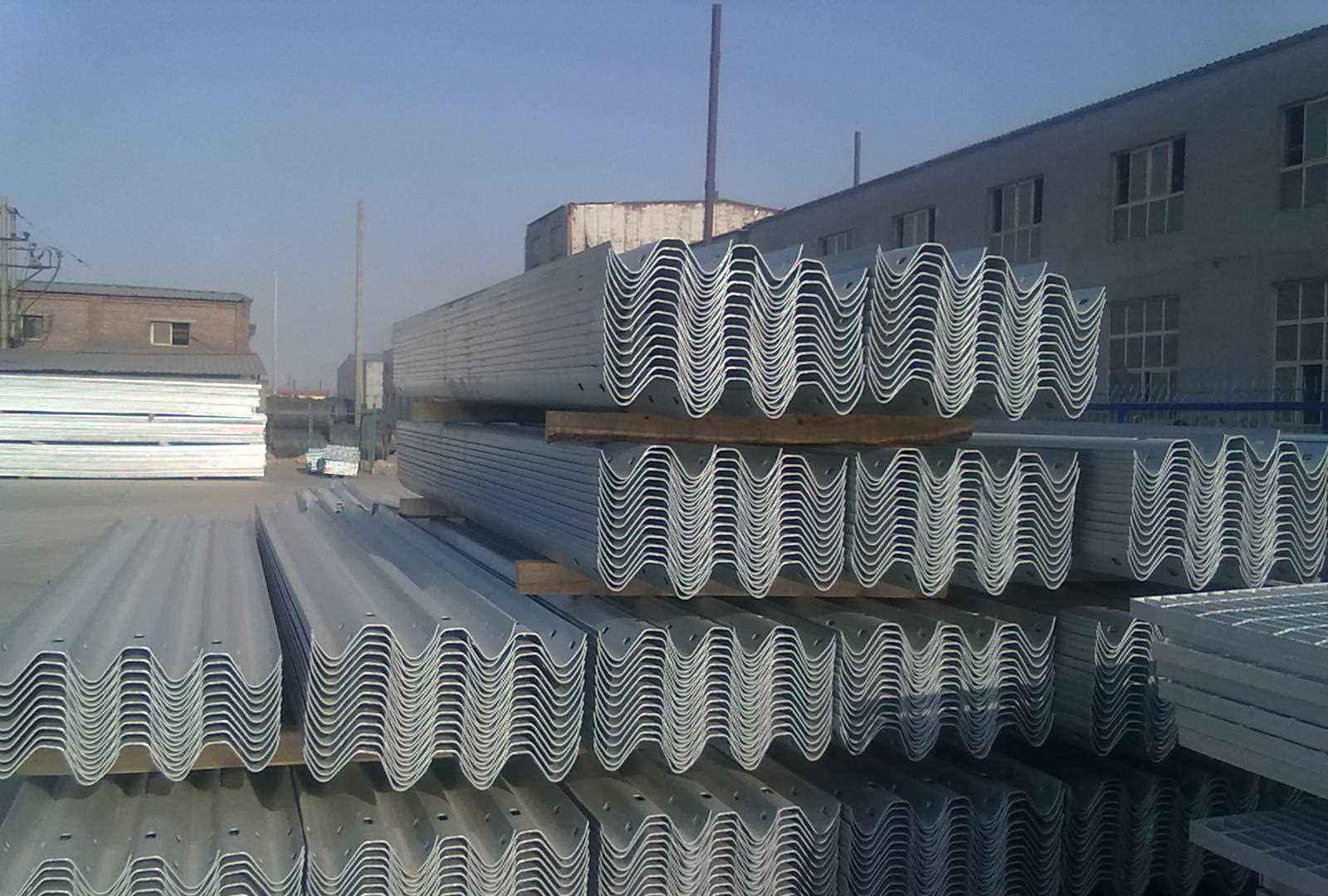 优良的护栏板推荐-道路护栏板制造公司
