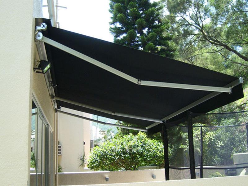 浙江遮雨棚生产厂家-上海高性价曲臂遮阳蓬要到哪买