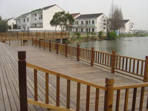 优质的防腐木护栏当选昌富亿达钢木结构|钢木结构