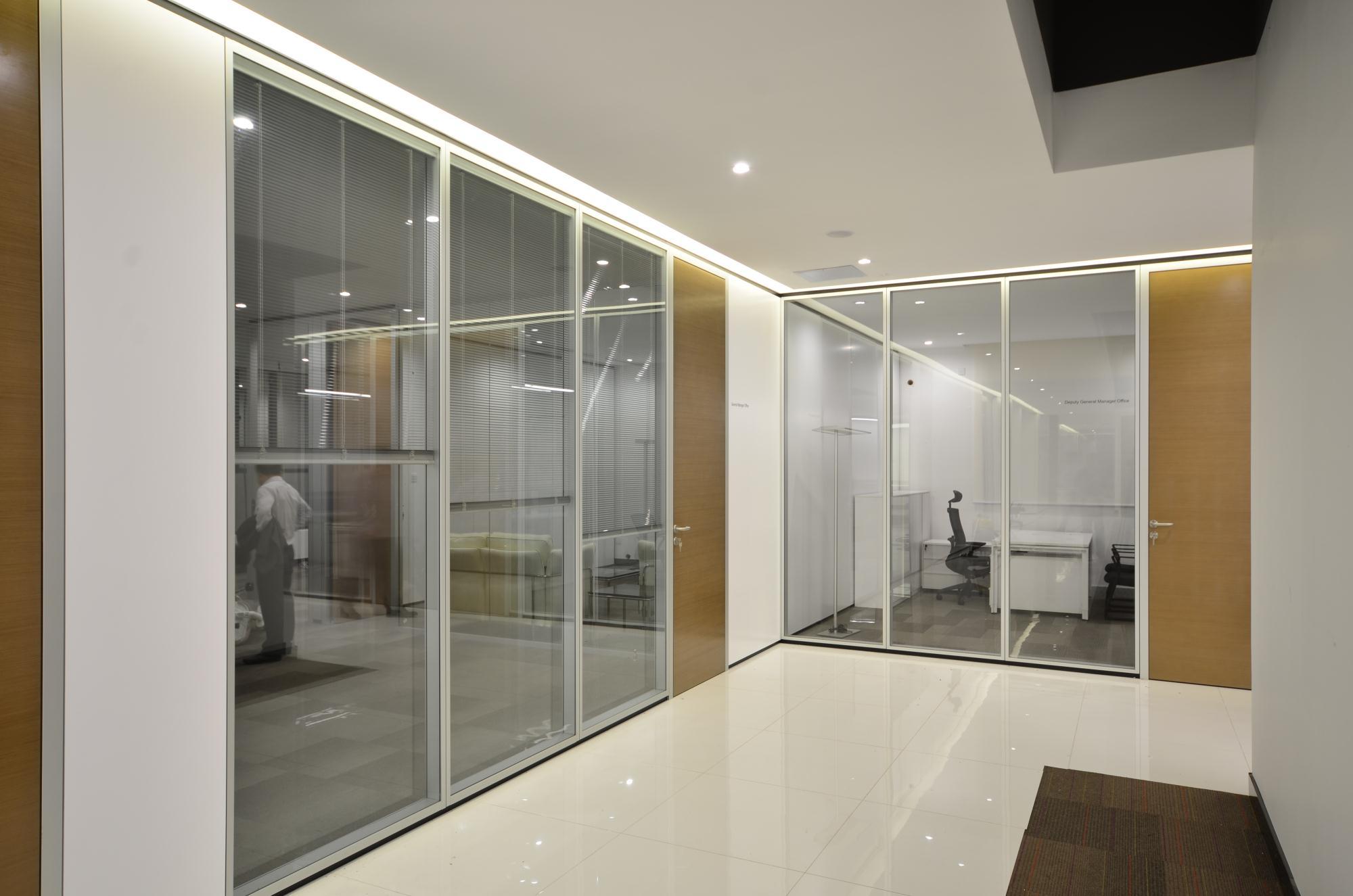 广东双玻内置百叶隔墙厂家推荐|玻璃隔断墙