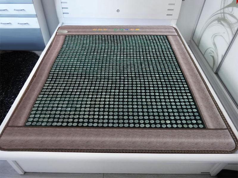 专业的玉石加热床垫-岫岩鑫龙玉器专业供应高品质正品玉石床垫
