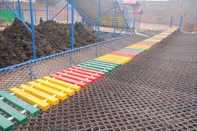 专业供应体能乐园_木板桥|新型儿童游乐设备