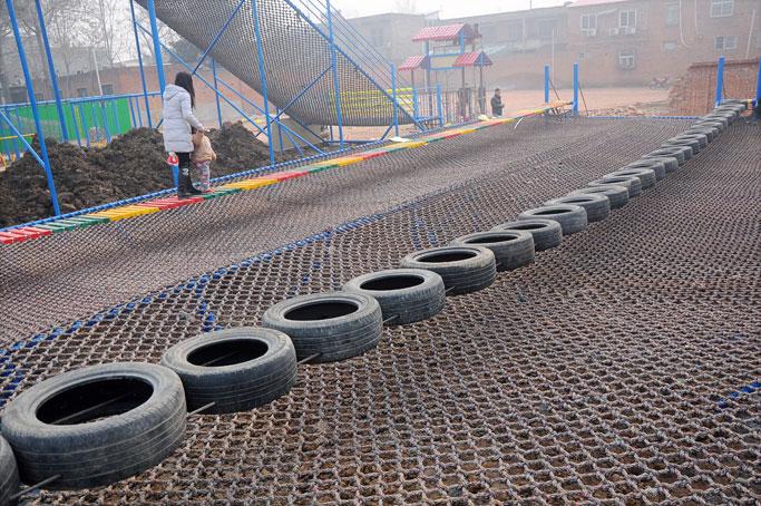 体能乐园_轮胎桥哪家买,加盟儿童游乐设备