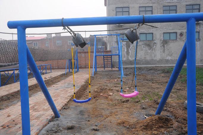 购买儿童游乐设备|专业的体能乐园_空中飞人供应商