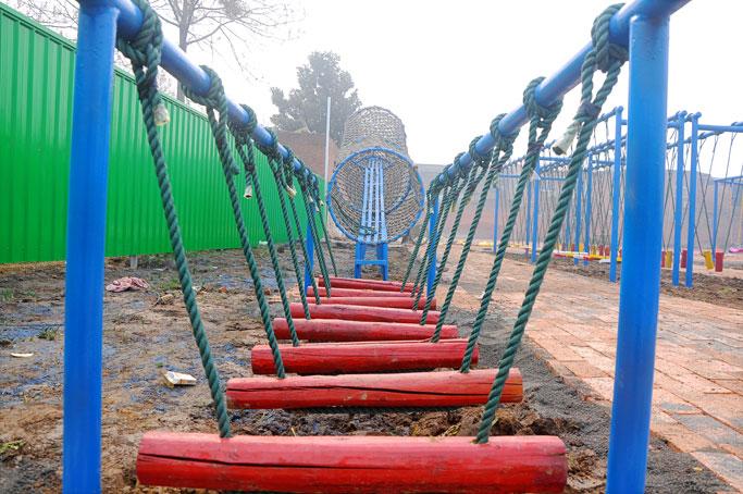 飞奔游乐设备专业供应体能乐园新颖的儿童游乐设备——雏燕展翅