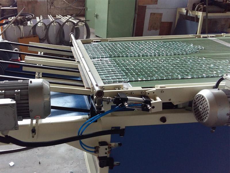 浙江自动冲压掰粒机定制-专业JLBP-600型玻璃自动冲压掰粒排版机推荐