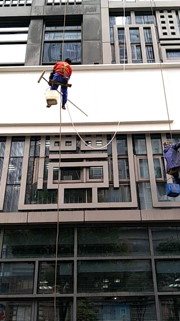重庆高空楼外墙清洗