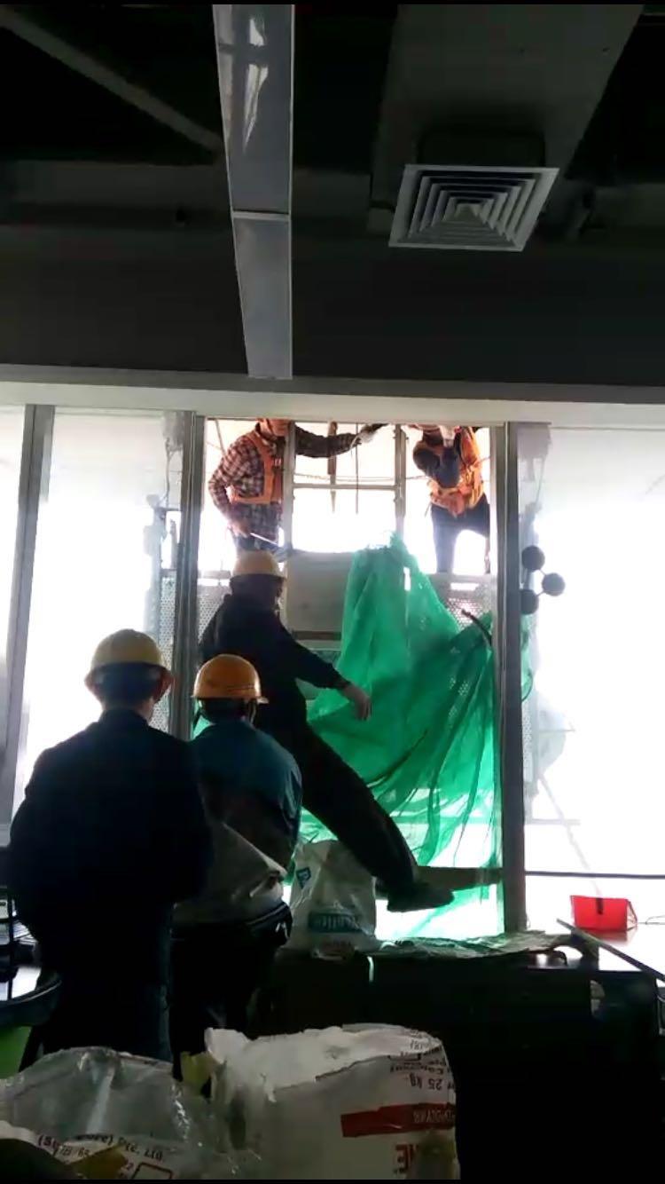 超值的电动擦窗机更换幕墙玻璃哪里有_电动擦窗机高层换玻璃