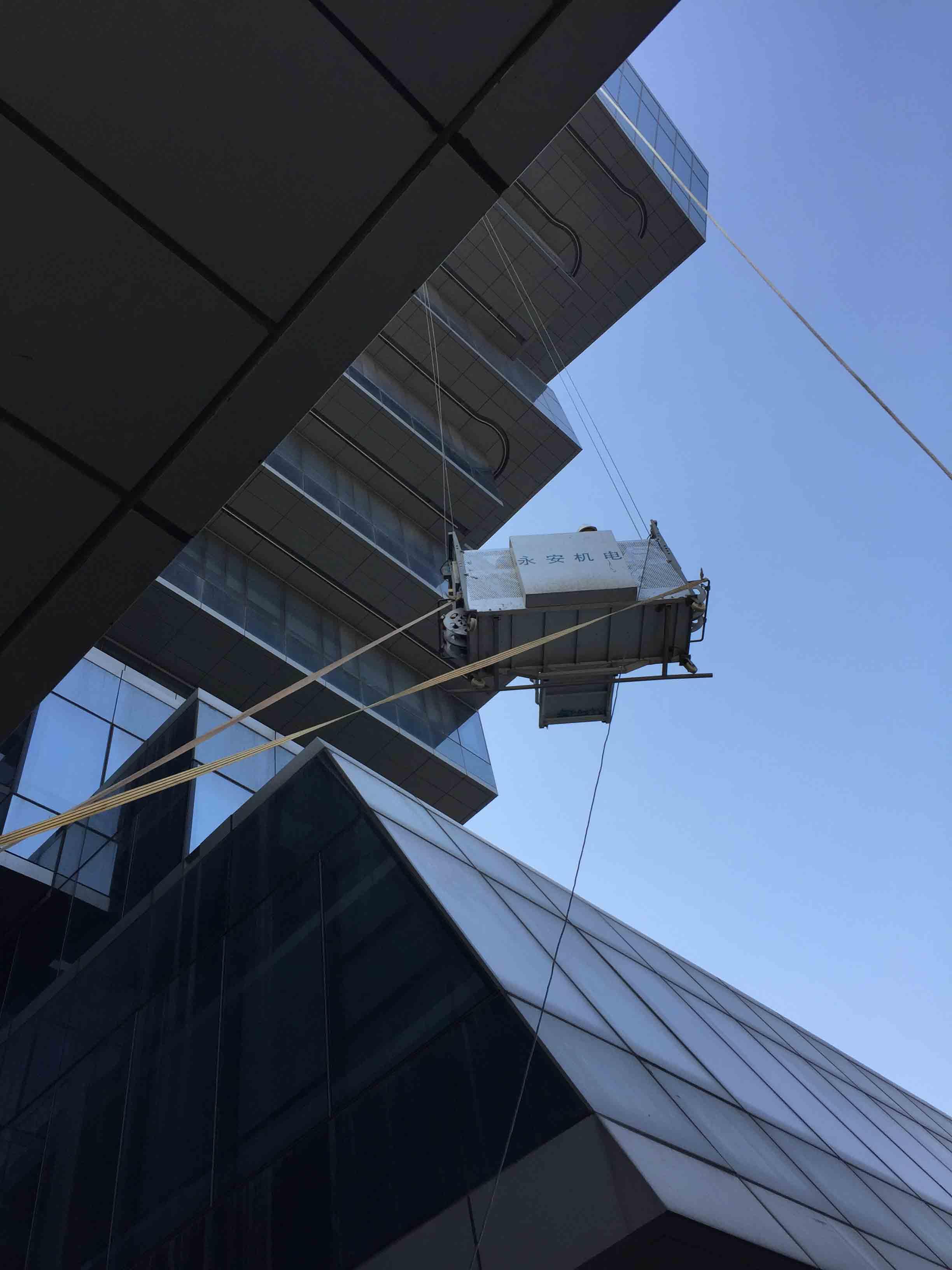 电动擦窗机更换幕墙玻璃哪家好|广州鑫海建筑幕墙工程供应价格划算的电动擦窗机更换幕墙玻璃