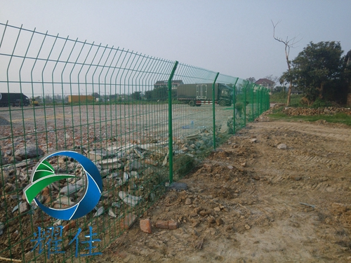 衡水哪里有卖上等框架护栏网 出售双边丝护栏