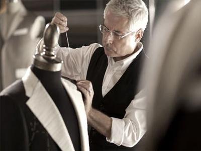 好的职业装定制就在沈阳兴意格雅服饰,沈阳服装定制