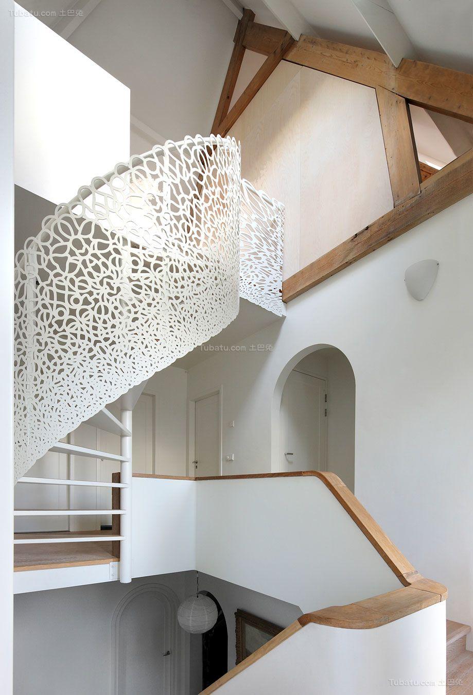 盘锦白钢楼梯-供应沈阳销量好的白钢楼梯