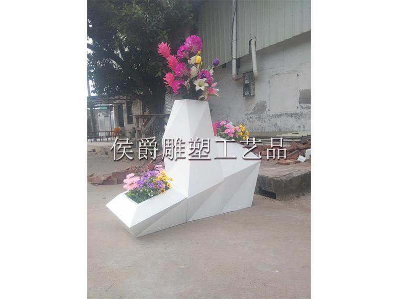 供應廣東造型優美的組合花盆,玻璃鋼菱形組合花盆多少錢